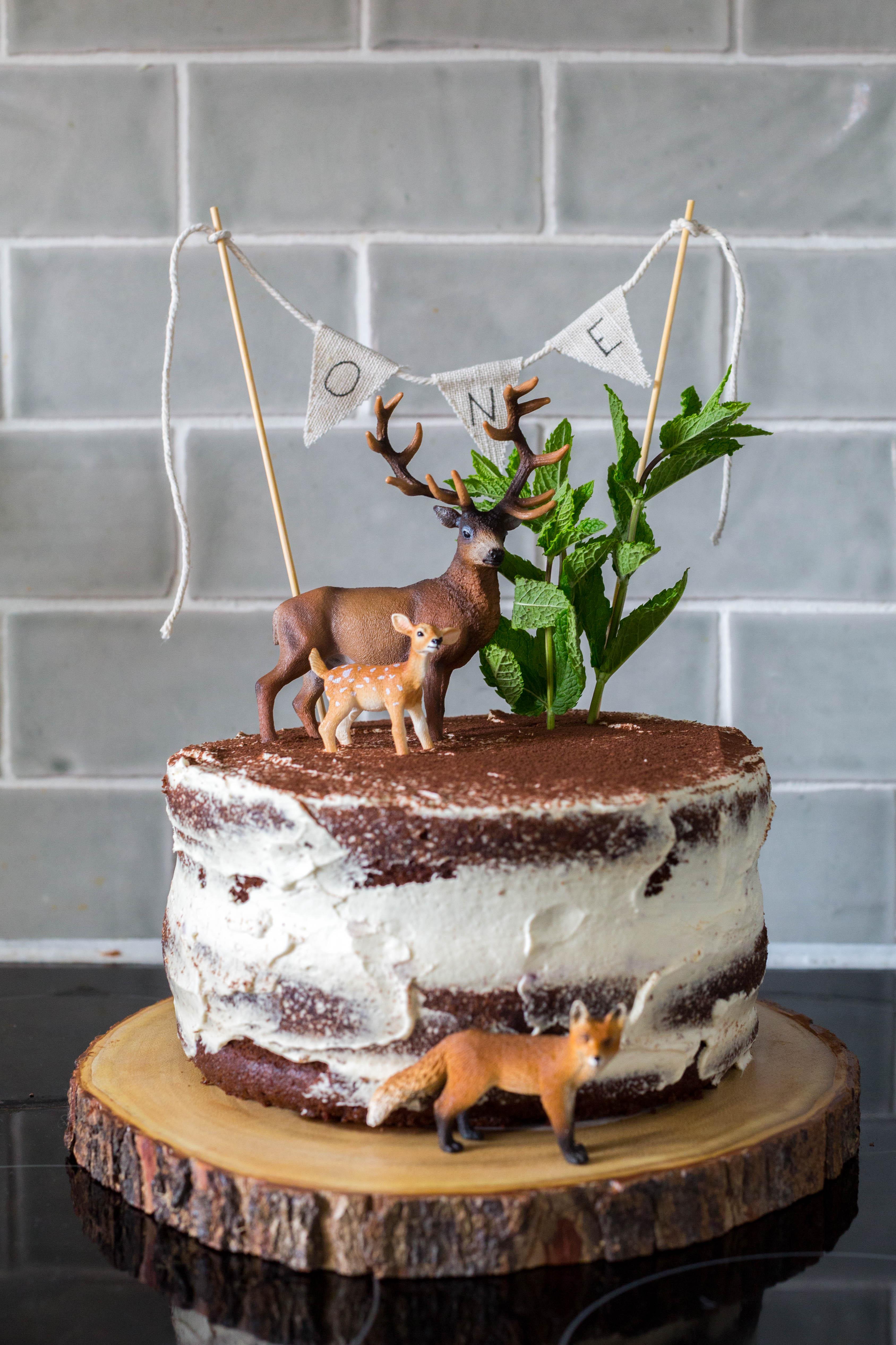 Woodland naked cake